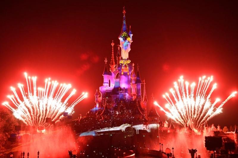 De finale van de 25ste verjaardag van Disneyland - Disney castle