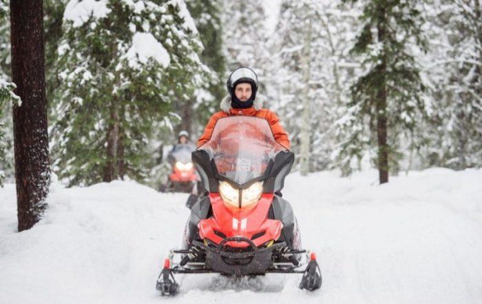 Finland krokusvakantie 2019 in Vuokatti - sneeuwscooter - © Juho Kuva