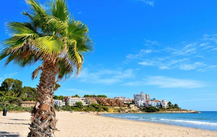 Catalonië ver weg van de toeristische drukte - Strand Altafulla
