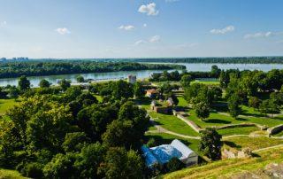 Riviercruise op de Donau, van München tot aan de Zwarte Zee - Zicht van Kalemegdan fort naar de Donau - Belgrado - Servië