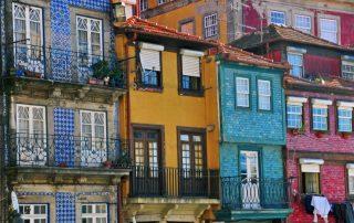 Riviercruise op de Douro - gekleurde huizen van Porto Ribeira - Portugal