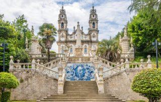 Riviercruise op de Douro - trappen met azulejo aan Santuario de Nossa Senhora dos Remedios - Portugal