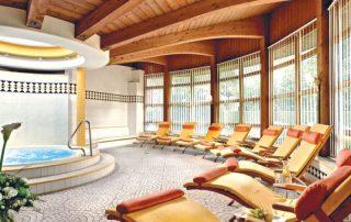 Shortski in het Oostenrijkse Igls - Sporthotel Igls - zwembad