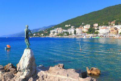 Kroatië, favoriete bestemming van collega Tiffany - Opatija - standbeeld - Het meisje en de meeuw