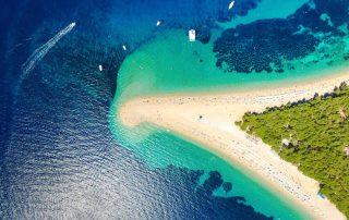 Rondreis Kroatië - Zlatni rat strand in Bol op het eiland Brac