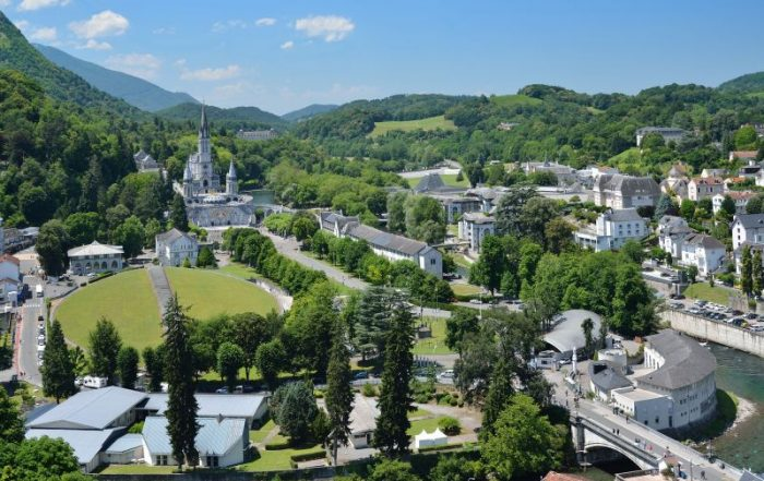 5-daagse vliegtuigreis Lourdes - basiliek