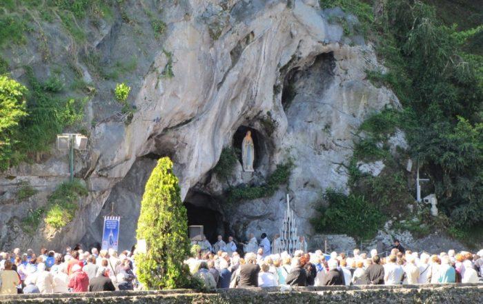 5-daagse vliegtuigreis naar Lourdes