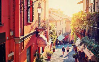 Rondreis langs de Noord-Italiaanse meren - Bellagio - traditionele straat - Comomeer