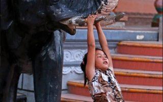 De Mekong, riviercruise van Vietnam naar Cambodja - spelend kind