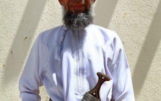 Oman, onwaarschijnlijk oppermachtig - Khanjar with man