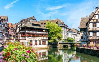 Stijlvol kasteelverblijf in de Elzas - kleurrijke traditionele huizen in La Petite France - Straatsburg