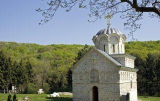 Rondreis door het voormalige Joegoslavië - kerk - Fruska Gora
