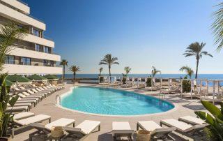 Buitengewone cavareis - Hotel Me Sitges Terramar - zwembad - foto Caractère