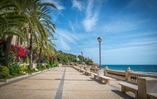 Buitengewone cavareis - Sitges - promenade