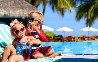 Boek nu uw wintervakantie 2019-2020 - kinderen aan zwembad