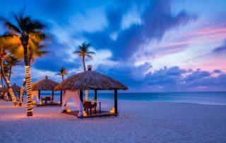 Winterzon op Aruba - Bucuti en Tara Beach Resorts - strandpaviljoen - foto van TravelWorld