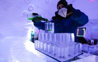 Ijzige wintertrip naar Canada- Hôtel de Glace - bar