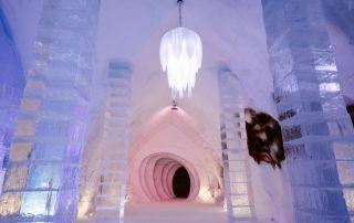 Ijzige wintertrip naar Canada - Hôtel de Glace - gang