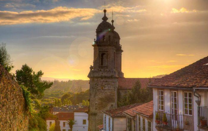torens van het klooster van St. Francis in Santiago de Compostela