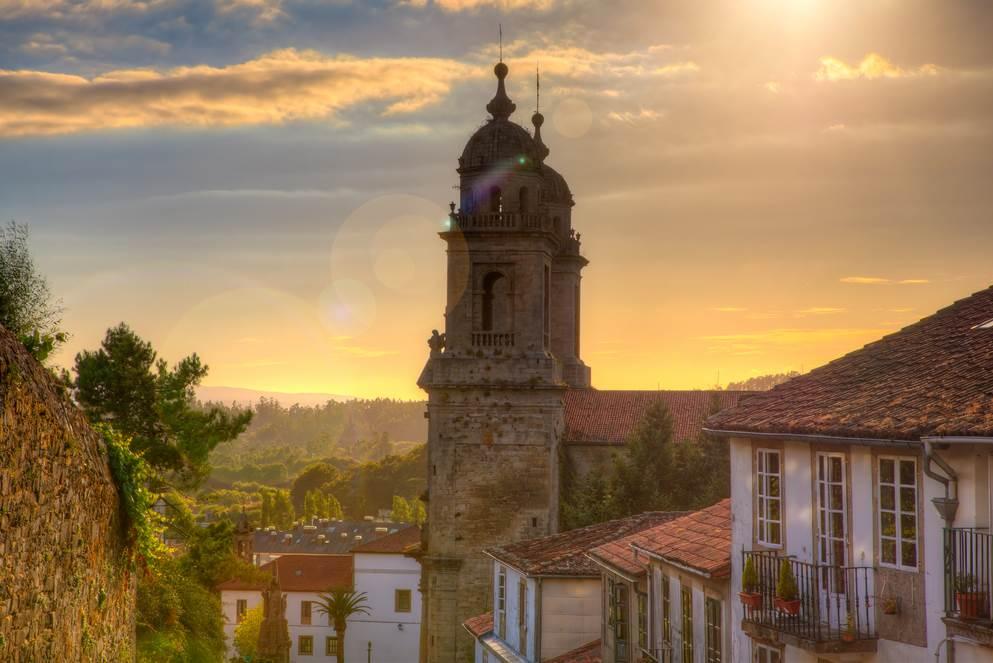 Compostela - Camino Frances - torens van het klooster van St. Francis in Santiago de Compostela