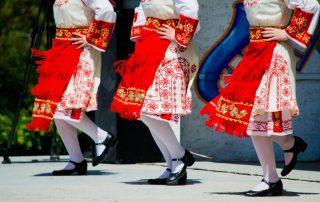 Bulgarije - Bulgaarse dansers in traditionele kledij