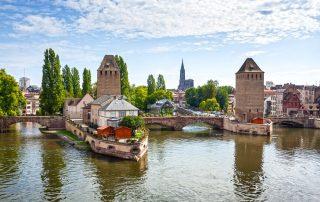 Herbronnen in de Elzas - middeleeuwse brug Ponts Couverts - Straatsburg