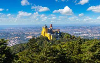 Rondreis Zuid-Portugal - panoramisch uitzicht op Pena Nationaal Paleis in Sintra