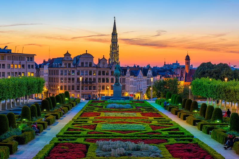 Bruisende overnachting in Brussel - Kunstberg bij valavond