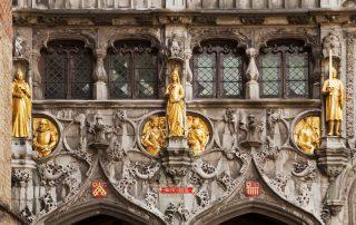 Portaal van de Basiliek van het Heilig Bloed